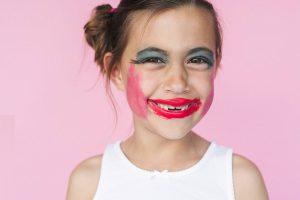 چطوری آرایش کنیم تا جوان تر به نظر برسیم