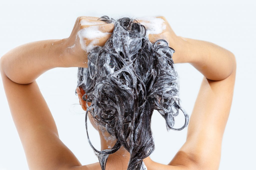 اشتباه رایج هنگام شستن مو